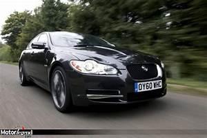 Avis Jaguar Xf : jaguar xf black pack paint it black actualit automobile motorlegend ~ Gottalentnigeria.com Avis de Voitures