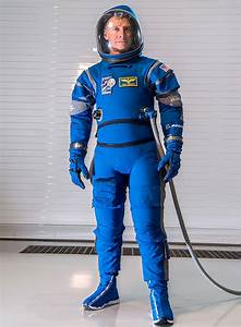 Boeing Unveils Blue Spacesuits for Starliner Crew Capsule ...