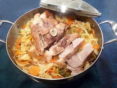 cuisiner la rouelle de porc rouelle de porc au chou la recette facile par toqués 2 cuisine