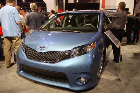 Swagger Wagon Toyota by Sema 2010 Toyota Swagger Wagon Supreme Photo Gallery