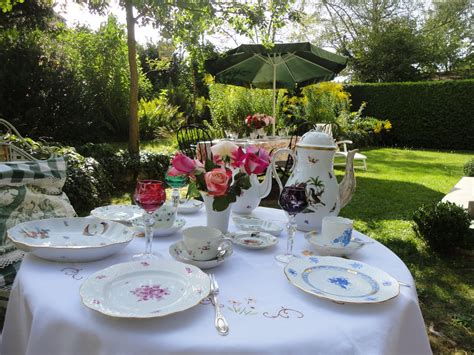 beautiful table settings for mixing herend for a garden table setting