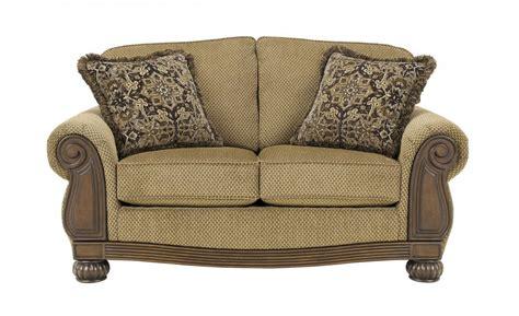 lynnwood amber loveseat traditional bedroom furniture