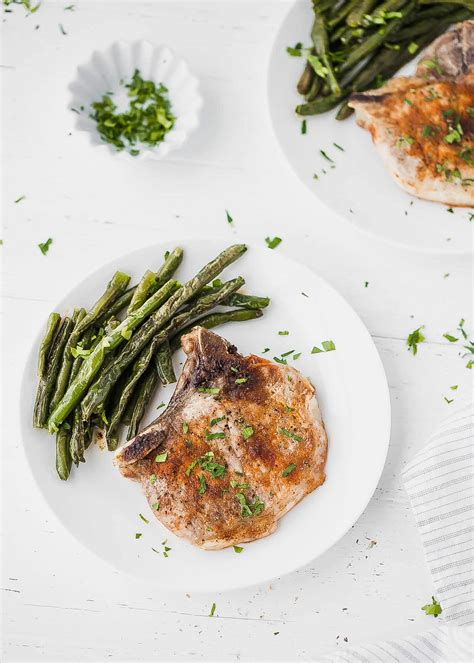 Easy thin bone in pork chop recipes. Oven Baked Bone-In Pork Chops Recipe - Cooking LSL