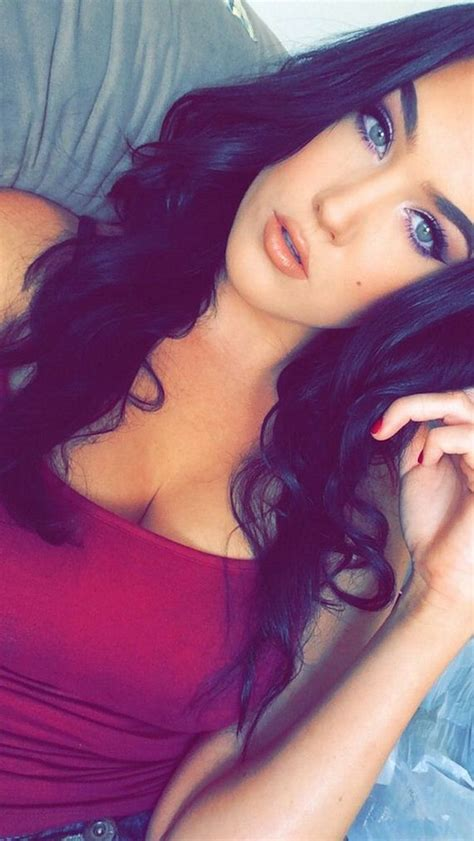 Hot Selfies Are Always Appreciated Barnorama