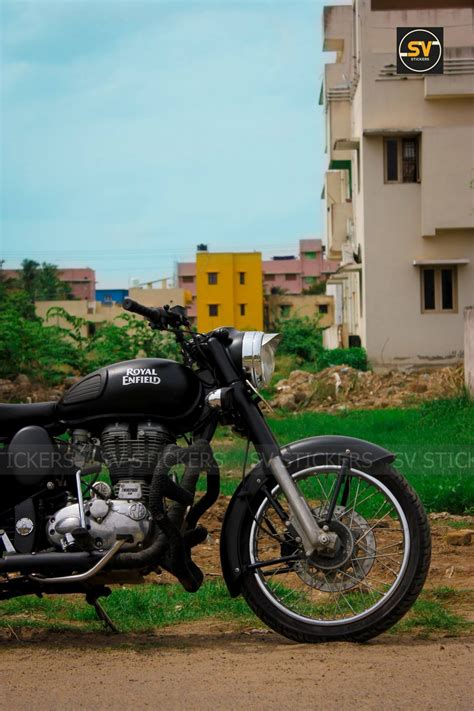 Royal Enfield Classic 350 Stealth Black Edition by SV ...