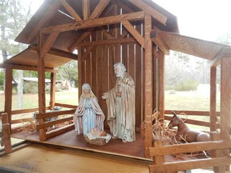 reclaimed wood nativity stable creche  themomandpopwoodshop