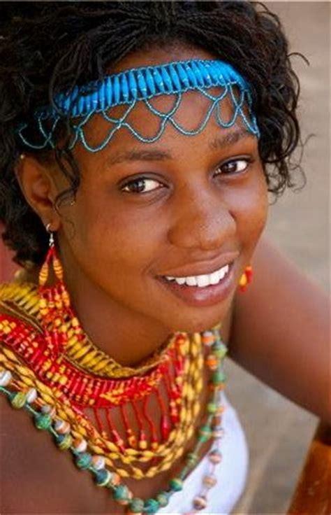 mzuri beads ugandas handmade recycled paper beads