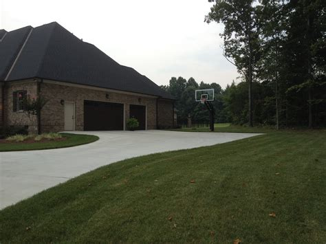 driveway configurations another great shot from the perspective of a passer byer it looks as if the driveway was