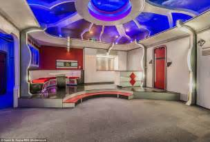 interior design course from home trek themed home in friendswood goes on sale