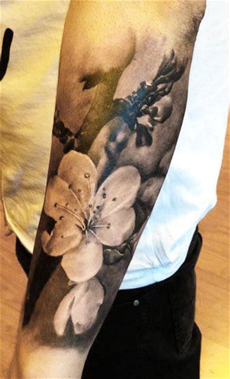 tattoo artist augis tattoo flowers tattoo