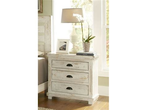 White Distressed Bedroom Furniture by Distressed Furniture Painting Techniques Ideas How To