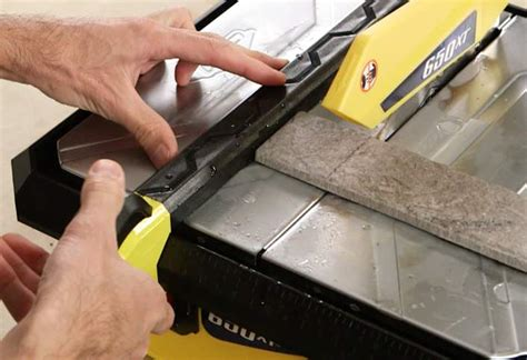 how to cut tile with a wet saw at the home depot