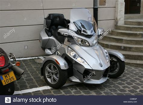 can am trike bombardier recreational products brp can am spyder rt touring trike stock photo 36271446 alamy