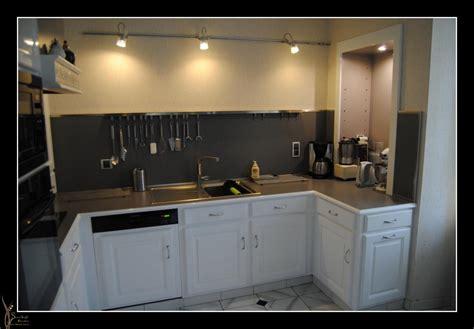 but meuble de cuisine relooking cuisine en blanc brillant