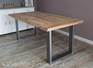 Esstisch Metallgestell Holzplatte : einen rustikalen loft tisch selber bauen so geht 39 s ~ Markanthonyermac.com Haus und Dekorationen