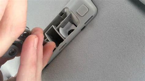 changer lumiere plafonnier voiture reparer ampoule auto