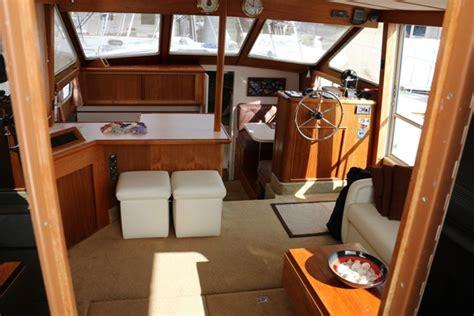 sold  tollycraft aft cabin motor yacht  van isle