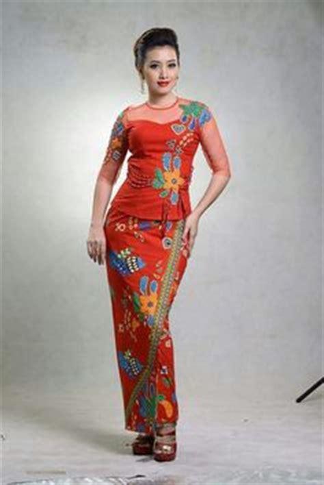 modern day burmese girl wearing  acheik longyi silk