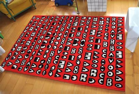 vloerkleed beirendonck walter van beirendonck voor ikea rood design vloerkleed