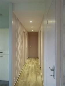 Couloir avec spots faux plafond Moderne Couloir Rennes par L'Armoire aux Patines