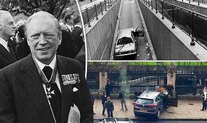 London terror attack took place just YARDS from 1979 car ...