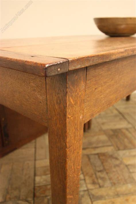 single leg dining table 18th c antique oak single gate leg dining table antiques