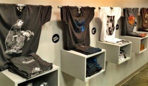 25+ Best Ideas About T Shirt Displays On Pinterest