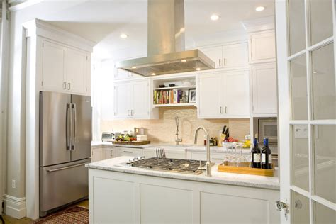 Small Kitchen Backsplash : Small-kitchen-layouts-kitchen-traditional-with-backsplash