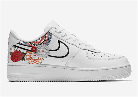 nike air force   lunar  year official images