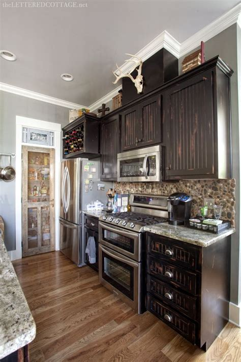 rustic painted kitchen cabinets 39 best images about paint colors on 5017