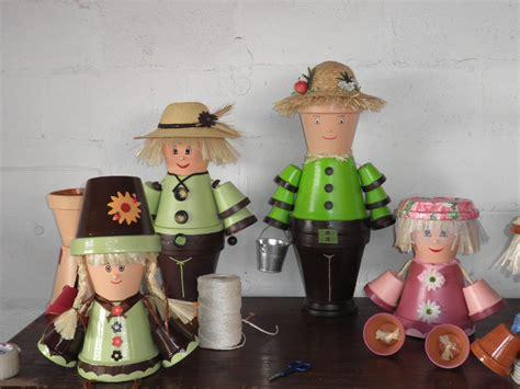 creations de nathalie 183 personnages en pots de terre cuite