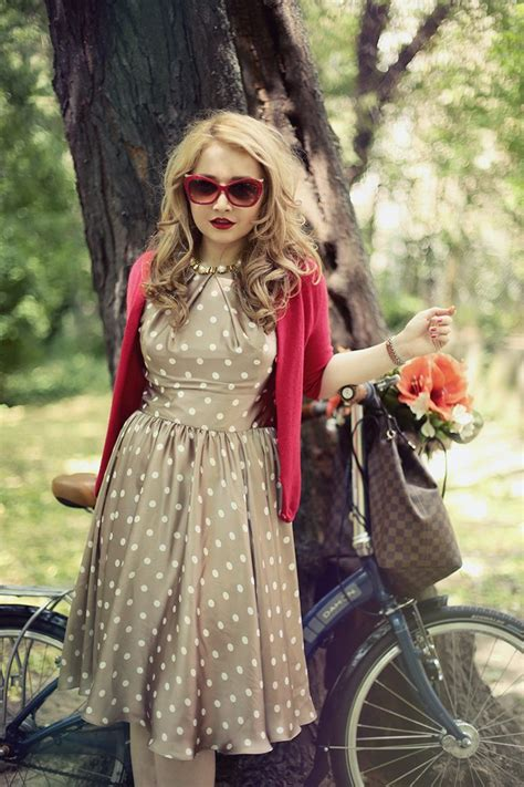 Chic-retro-outfit-ideas-that-every-girl-will-like-12 | Styleoholic