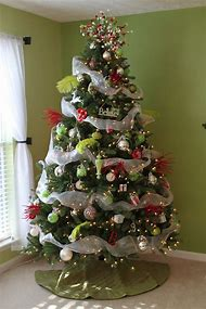 christmas tree with mesh ribbon