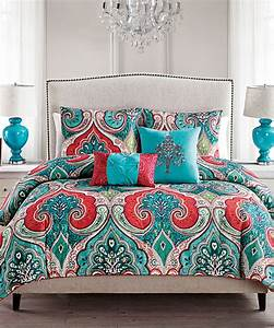 Incredible 25 Best Coral Bedspread Ideas On Pinterest ...