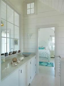 Surfside chic nantucket beach style bedroom boston for Nantucket style bathrooms