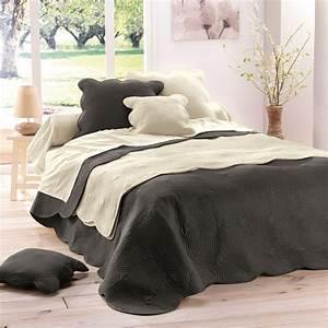 Couvre Lit 220x240 : couvre lit boutis matelass 220x240 anthracite ~ Teatrodelosmanantiales.com Idées de Décoration