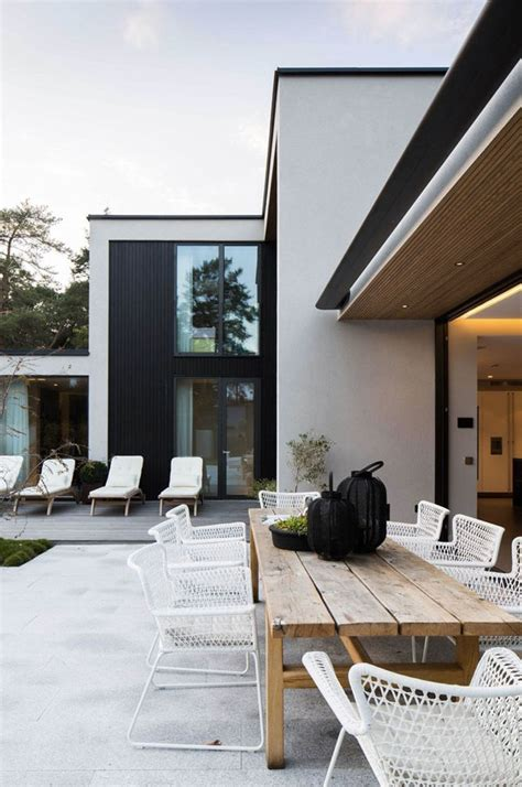 """5 Modern Outdoor Spaces That'll Make You Say """"summer"""