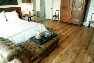 laminate flooring barn wood look laminate flooring
