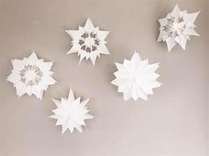 Stern Basteln Anleitung Papier : sterne aus papier sterne aus butterbrotpapier anleitung ~ Lizthompson.info Haus und Dekorationen