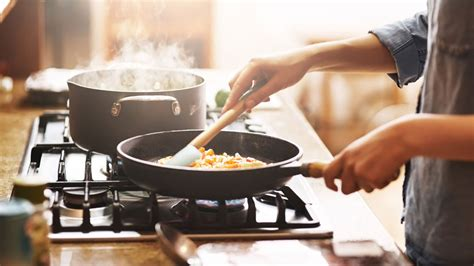 cookware sets cooking commissions retailer earn fees affiliate links through site