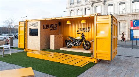 bureau intégré le stand en containers capsa container