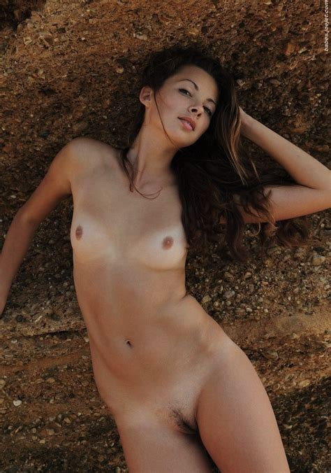 Arina Showstar Model Nude Datawav