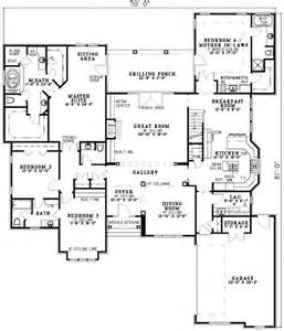 Pictures House Plans With Inlaw Suites Attached by 25 Best Ideas About In Suite On Bathroom