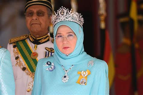 Malaysia's Queen is cooking for frontline workers during the coronavirus outbreak | London ...