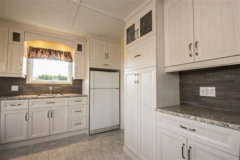 peinture d armoire de cuisine cuisine chêtre classique composée d armoires de
