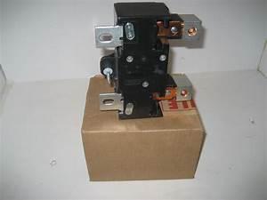 New   Square D 200amp Qom2200vh Main Breaker Found In Qo