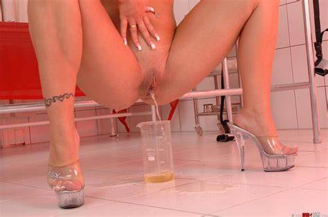 Boys Gush With Assist Of Toes Bath Of Taboo Gushing Lady And Interracial Princesses
