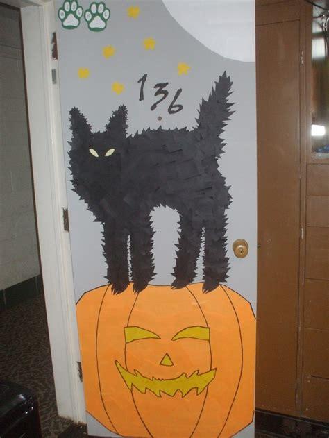 roommate   decorated  dorm room door  halloween    gray