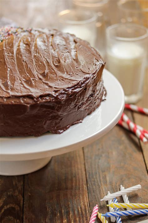 yellow cake with chocolate icing yellow cake with chocolate frosting tasty seasons 1513