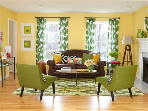 what color curtains with yellow walls and brown also